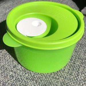 Tupperware Crystal Wave Soup Mug 2 cups 16 ounce